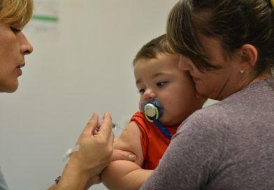 Queda un mes para que más de un millón de niños reciban la dosis adicional de la vacuna triple viral