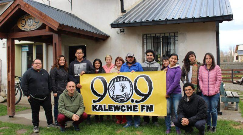 Un taller de producción radiofónica junto a FM Kalewche de Esquel