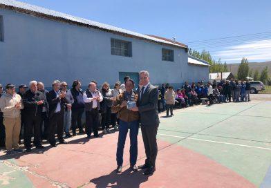 """Arcioni: """"Es entre todos, y con el apoyo del nuevo Gobierno Nacional, que Chubut se va a poner de pie"""""""