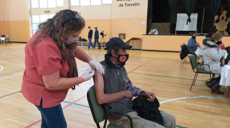 Covid-19: vacunarán a mayores de 18 años del lunes al jueves