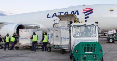 Continúa el arribo de vacunas a Argentina: llegaron esta tarde 800.500 dosis de AstraZeneca